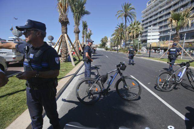 Controles. La ciudad de Niza amaneció shockeada por el horror del atentado terrorista.