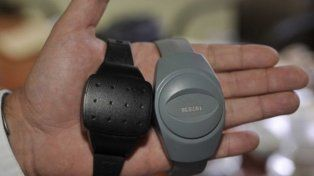 Las pulseras o tobilleras electrónicas que la provincia comprará para monitorear a reos con prisión domiciliaria.