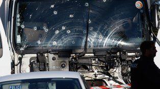 El conductor del caminón que provocó la masacre en Niza fue abatido por las fuerzas de seguridad.