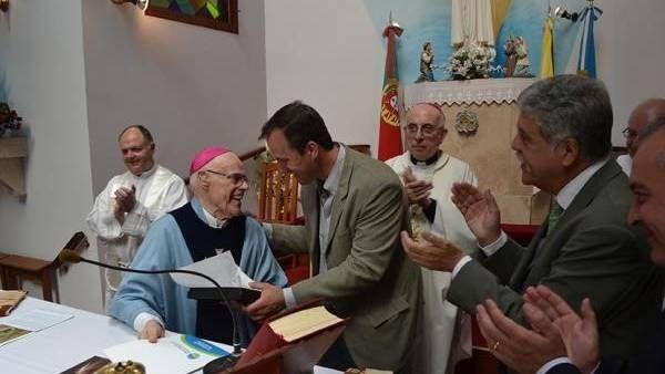 Convento. El fallecido monseñor Di Monte junto a De Vido y López.