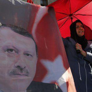 Festejo. El presidente Erdogan, amado y odiado por igual en Turquía.