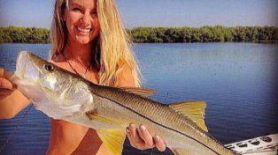 Ahora el nudismo y la pesca se juntan para revolucionar las redes sociales