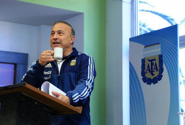 El Vasco. Asumió el desafío con la selección argentina y se lo toma con calma.