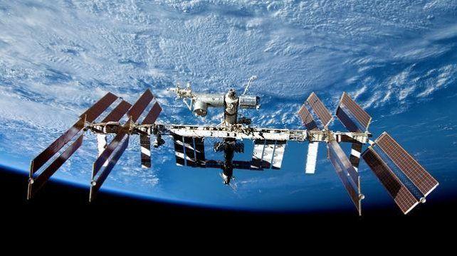La Nasa envió el transbordador Dragón a una estación espacial en busca de vida extraterrestre