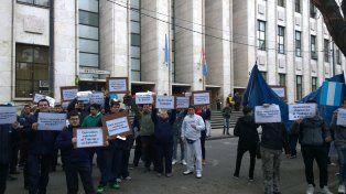 Los empleados de Coto concentraron frente a Tribunales.