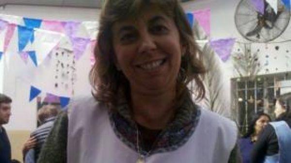 Cinzia Pellegrini fe agredida brutalmente por el papá de una alumna.