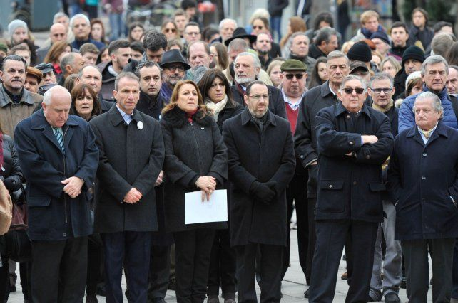 Plaza Montenegro. Lifschitz y Fein encabezaron la ceremonia local.