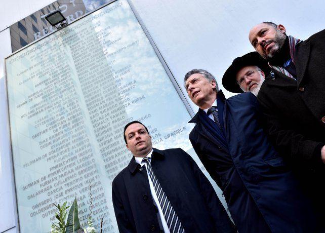 Pasteur al 600. Mauricio Macri fue recibido por Ariel Cohen Sabban (Daia) y Ralph Thomas Saieg (Amia).