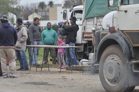 El especialista también señaló que el viernes último ingresaron 2.800 camiones a los puertos de la región y el sábado el número ascendió a 3.200.