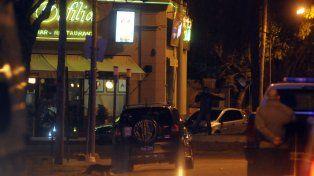 Orfilia. Pablo Cejas irrumpió en un restaurante del barrio Guadalupe Este.