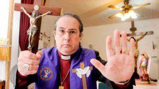 Un famoso exorcista abrió la primera escuela de Argentina donde enseña a combatir al diablo