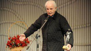 Galardonado. Carlos Goroztiza recibió múltiples premios por su vasta carrera.