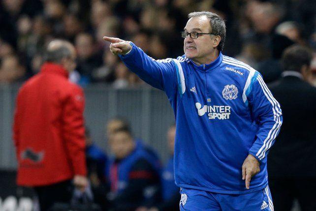Apuntado. Marcelo Bielsa suma adeptos para hacerse cargo de la selección.
