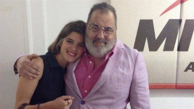 Josefina Giancaterino Stegmann y Jorge Lanata en los estudios de Radio Mitre.