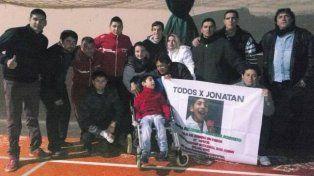 A la movida solidaria por Jonatan se sumaron vecinos y amigos.