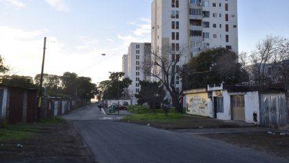 Isola al 300 bis, donde mataron a Iván García. La Justicia investiga qué sucedió en ese lugar. Las primeras versiones hablan de un tiroteo.