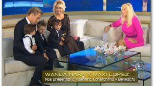 Wanda presentó a sus tres hijos junto a Maxi López hace años en el living de Susana.
