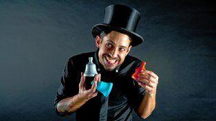 genuino. El artista bahiense propone hacer reír con lo que a él lo divierte.