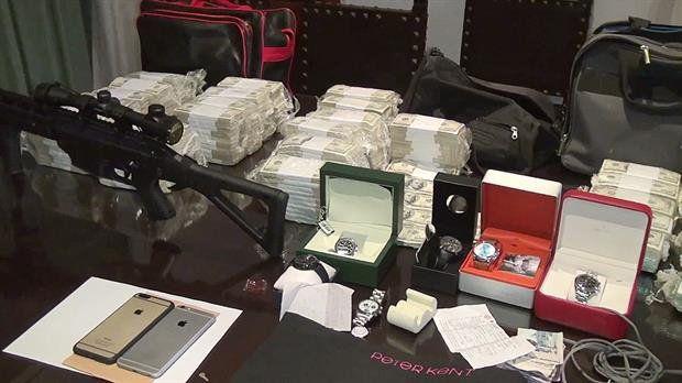 cash. Los casi nueve millones de dólares y joyas que López intentó ocultar en el convento de General Rodríguez.