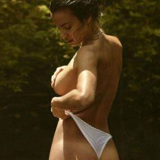 La espectacular Irina muestra su majestuosa figura.