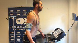 El exdelantero de Central pasó por un centro médico a hacerse la revisión. (Foto: @DonbalonAR)