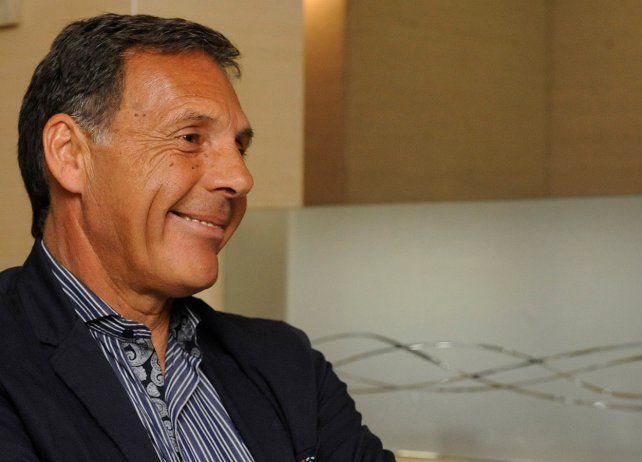 Armando Pérez se reunió con Russo y tiene intenciones de juntarse con Bielsa