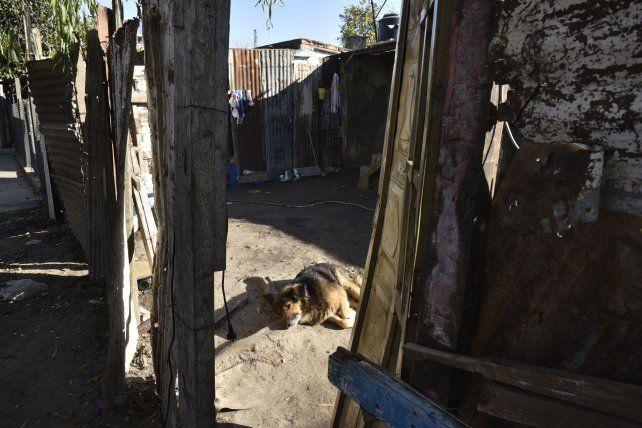 pobreza. La humilde casa de chapas y material donde viven varios jóvenes y Facundo se alojaba cuando venía de Córdoba.