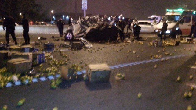 Tres personas fallecidas en un tremendo accidente en Circunvalación y Juan José Paso