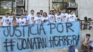 reclamos. Allegados al joven asesinado por la policía vuelven a manifestarse.