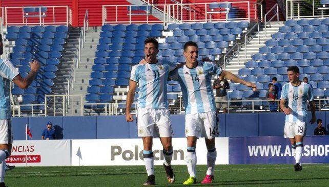 Los Gío. Simeone y Lo Celso festejan el último gol ante los caribeños.