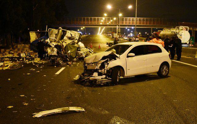 Tres víctimas fatales por un choque múltiple en Circunvalación.