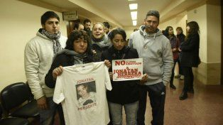 Familiares de Jonatan Herrera, en Tribunales.