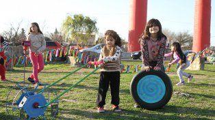 Distrito sudoeste. Los niños protagonizaron los festejos en las zonas verdes de la ciudad.