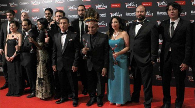 Siete estatuillas. Los integrantes de la coproducción argentina-venezolana-colombiana celebraron a pleno en la ciudad balnearia uruguaya.