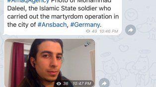 Tuit. El Isis publicó en Twitter la foto del terrorista y su nombre. Realizó una operación de martirio, afirmó.