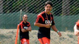 Siempre atento. Gallardo se muestra muy activo en los entrenamientos.