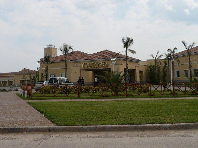 Policía con prisión domiciliaria, detenido en el casino de Melincué