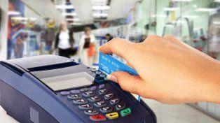 Las comisiones por ventas con tarjeta en comercios argentinos, entre las más altas de la región