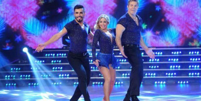 La abogada hot bailó salsa de tres con Fernando Burlando.