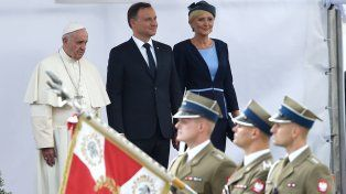 El Papa Francisco, con el presidente polaco Andrzej Duda y la primera dama Agata Kornhauser-Duda