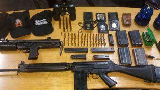 un arsenal. La víctima fatal tenía un Fal, una ametralladora y una Magnum.
