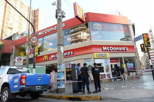 el lugar. La esquina de Corrientes y Pellegrini donde ocurrió el episodio la mañana del 3 de abril de 2015.