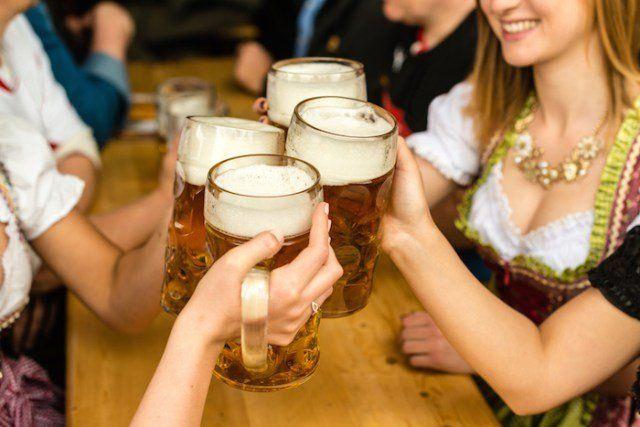 Investigadores belgas decidieron elaborar una cerveza especial hecha a base de orina