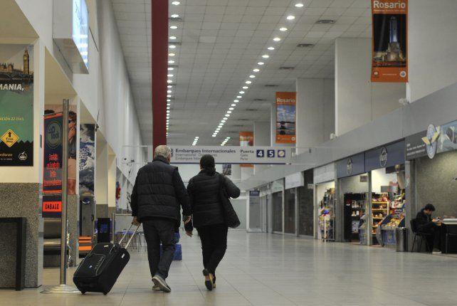El aeropuerto suma pasajeros y vuelos.