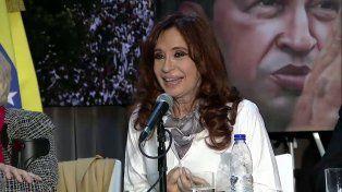En un homenaje a Chávez, Cristina Kirchner cuestionó a Macri e hizo una autocrítica