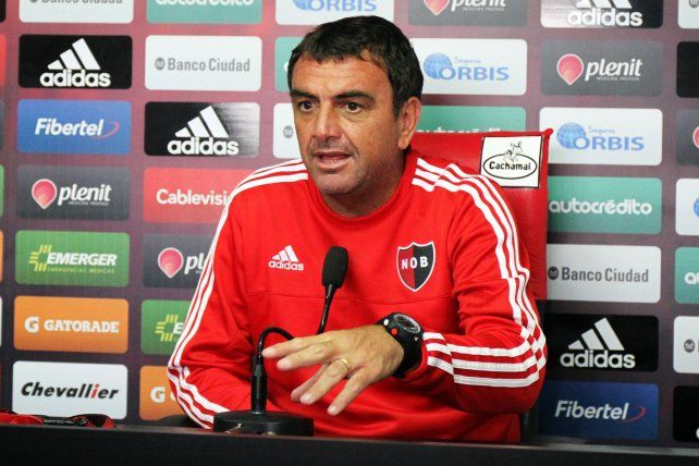 El entrenador Diego Osella ponderó el trabajo que viene realizando en la extensa pretemporada leprosa.
