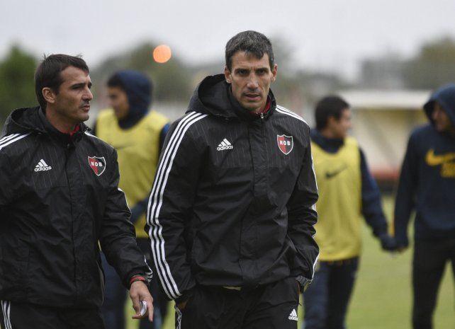 El entrenador Juan Pablo Vojvoda tiene casi todo definido y mañana podría confirmar los once leprosos para el domingo.