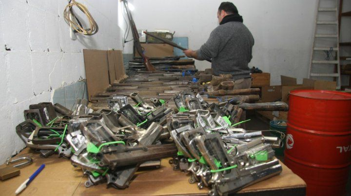 Las armas entregadas para su destrucción se encontraban en el Departamento de Logística (D4) de la Jefatura de Policía.