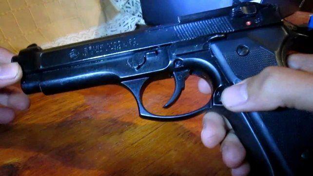 Tras la detención de un delincuente se descubrió el ilícito que involucra a un joven policía santafesino.
