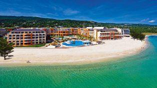 Entre el mar y las montañas. El hotel Iberostar Rose Hall Suites, ubicado a 22 kilómetros de Montego Bay, es un hotel de lujo cinco estrellas con todo incluido.